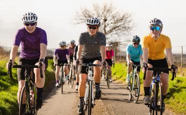 Mit der neuen MODA Radbekleidung stehen Frauen bei dhb an erster Stelle