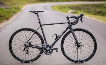 GEWINNT ein Vitus Rennrad & ein dhb Aeron Outfit in unserem Tour de France Gewinnspiel