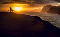 Sonnenuntergang auf den Faeroer Inseln